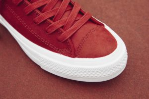 Chuck Taylor All Star II Craft Leather Ox in casino red..