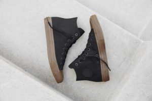 Converse Chuck Taylor All Star II Gumsole Hi in bla