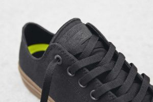 Converse Chuck Taylor All Star II Gumsole Ox in black.
